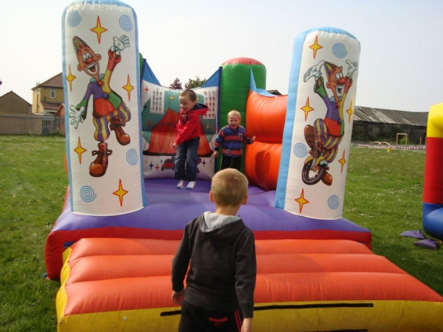 Indoor or outdoor mini bouncy castle fun