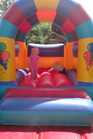 Indoor or outdoor small bouncy castle hire